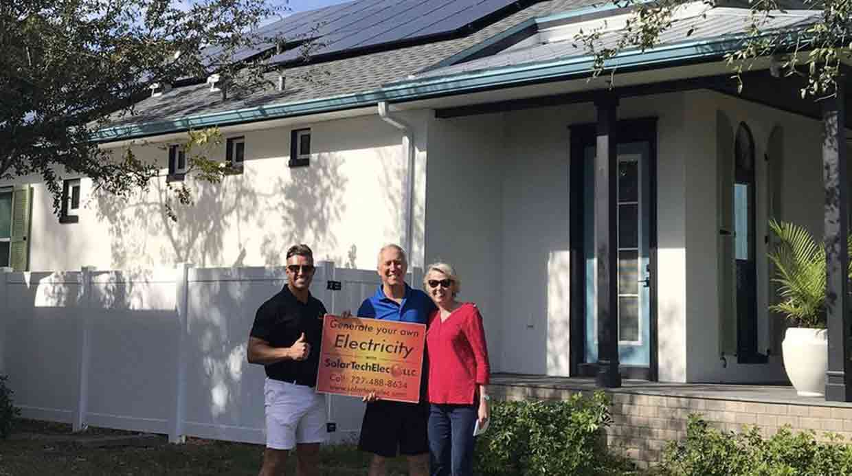 Ross with Dale and Andrea   solar panel installation Florida