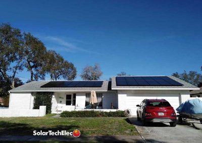 Tarpon Springs Homeowner Enjoys Solar Power